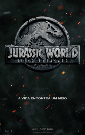 Cartaz oficial do filme Jurassic World: Reino Ameaçado